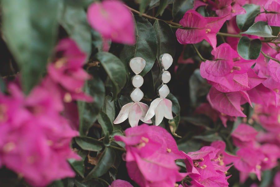 Haz que tus looks de verano brillen con estos pendientes dorados y piedras naturales de Acus – Loreto Madeinstyle (12)